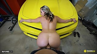 Roadside - Blonde MILF With Bubble Butt Fucks Mechanic