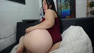 BIG ASS MOMMY