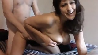 My best friend's mature MOM likes when I fuck HER