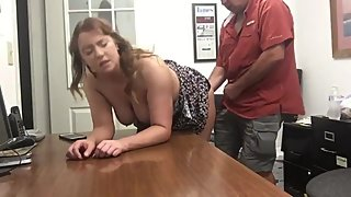 Boss fingering horny mature woman after interview