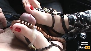 Andrea masturbate my dick with her perfect feet in my car! Promo