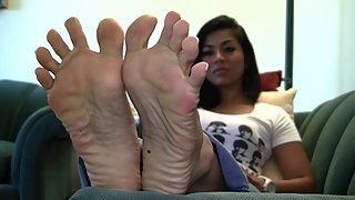 MSF - Gia's Candid Stinky Soles Part 23