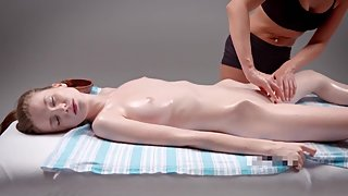 HOT TEEN SUPERMODEL SEDUCTIVE SENSUAL MASSAGE