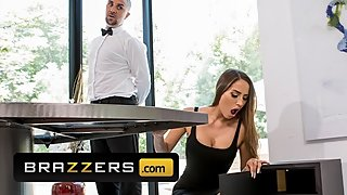 Brazzers - Big tit housewife Desiree Dulce fucks Butler