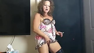 Smoking and Pissing with Debbie Delicious