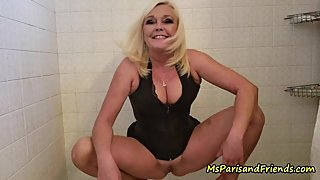 Watching Step-Mommy Pee is so Fucking HOT!