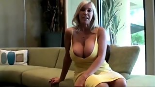 Sexy mature mom sucks and fucks