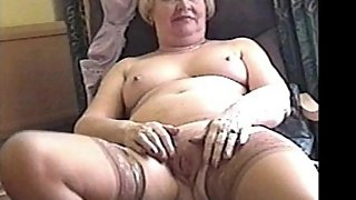 ILoveGrannY Amateur Granny Pictures in Slideshow