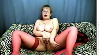 Sugar_Boobs_granny_in_cam